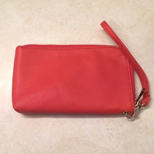Wristlet with charging capabilities